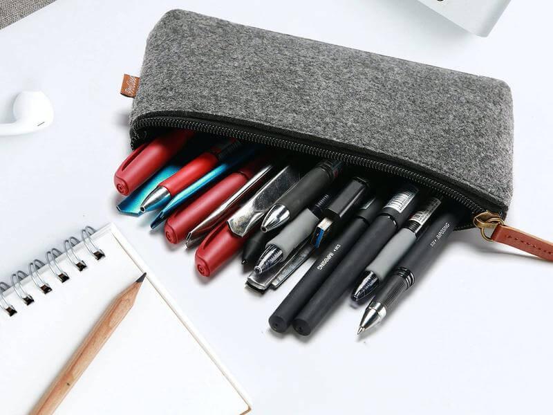 trousse-scolaire-stylos